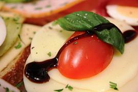 Finger Food mit ganz viel Liebe..... Tomate Mozzarella